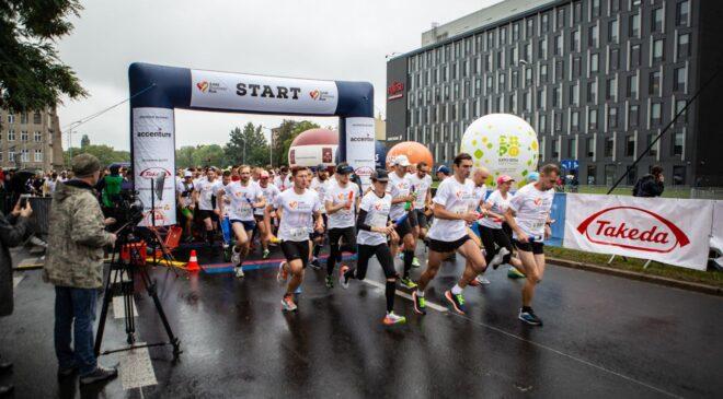 Pomaganie bez granic. Start zapisów na Poland Business Run 2021